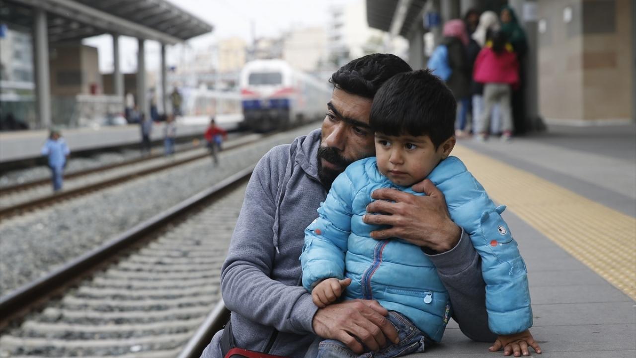 Yunanistanda göçmenler Atina garında eylem yaptı