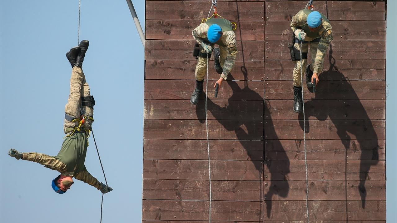 Jandarma uzman erbaşlar terörle mücadele için hazır