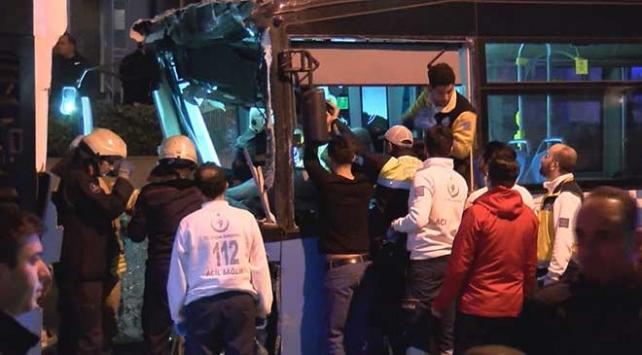 Şişlide zincirleme trafik kazası: 24 yaralı