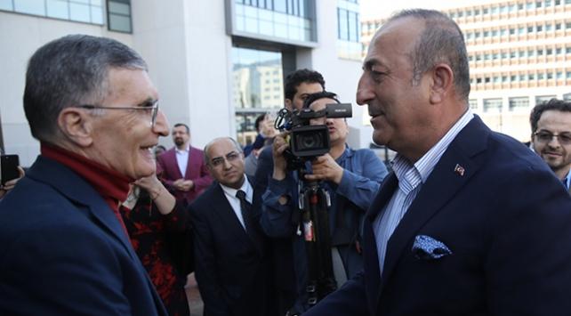 Bakan Çavuşoğlu, Aziz Sancar ile görüştü