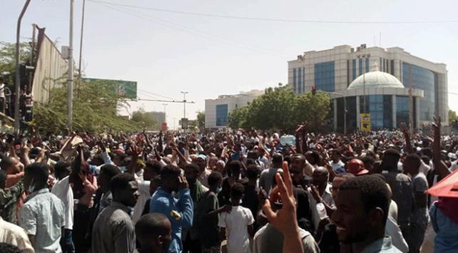 """Sudan Savunma Konseyinden """"Eylemcilere kulak verin"""" açıklaması"""