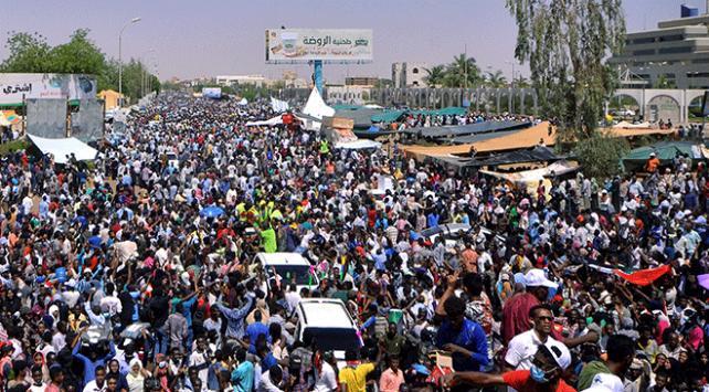 Sudandaki gösterilerde 2 kişi öldü