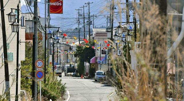 Japonyada Fukuşimaya komşu kasabaya kısmi yerleşim izni verildi
