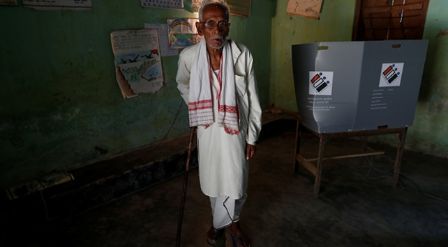 Hindistanda dünyanın en uzun seçimi başladı
