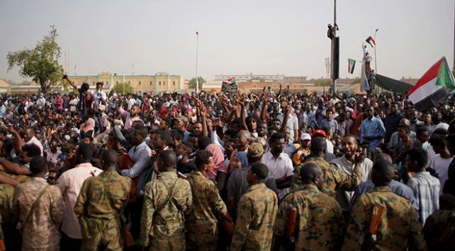 Sudanda askeri darbe