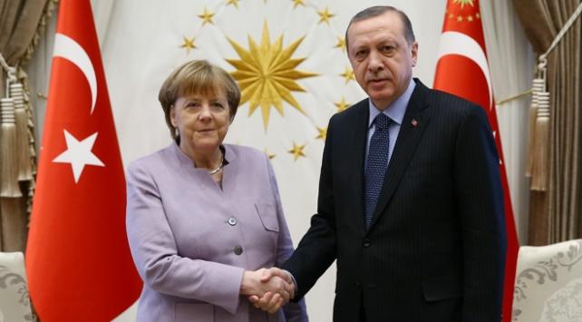 Cumhurbaşkanı Erdoğandan Merkele taziye telefonu