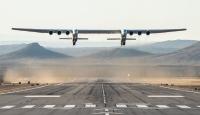 Dünyanın en büyük uçağı ilk kez havalandı