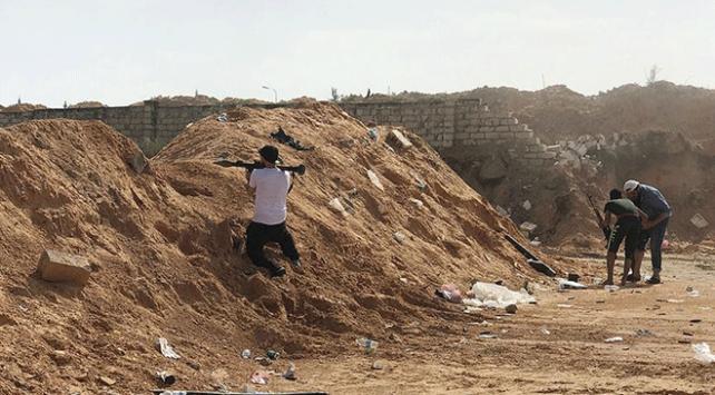 Libyada UMH güçleri Haftere bağlı savaş uçağını düşürdü
