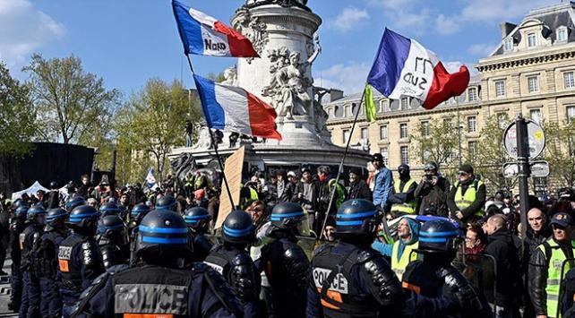 Pariste polise ırkçı muamelelerde bulunma talimatı verildiği iddiası