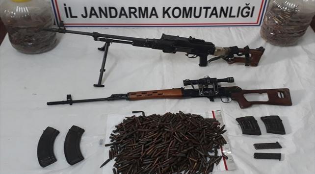 Tuncelide terör örgütüne ait silah ve mühimmat ele geçirildi