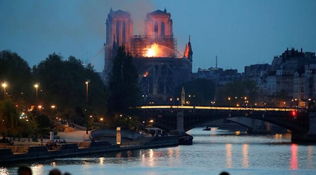 Dünyadan Notre Dame Katedrali için destek mesajları