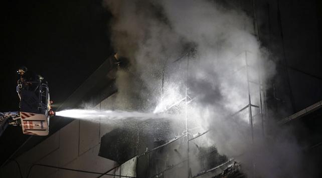 Başkentte mobilya mağazasında yangın