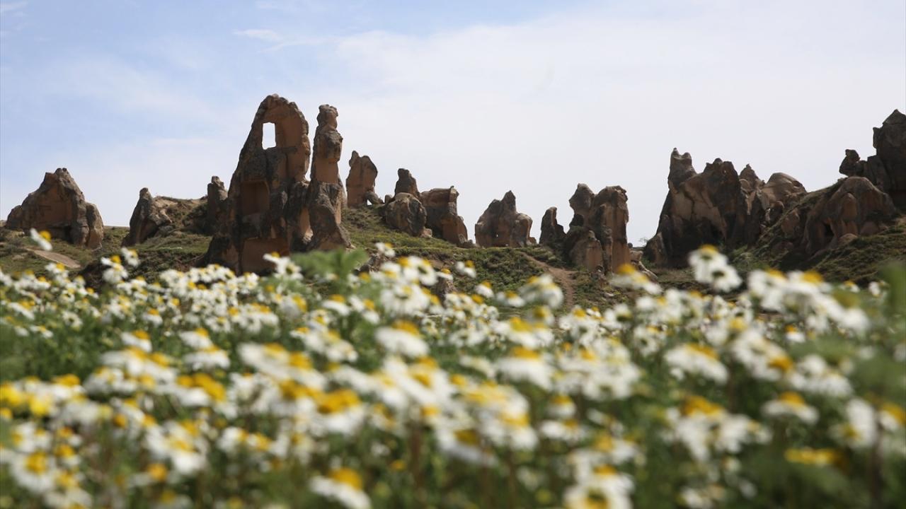 Türkiyenin önemli turizm merkezlerinden Kapadokyadan renkli görüntüler.