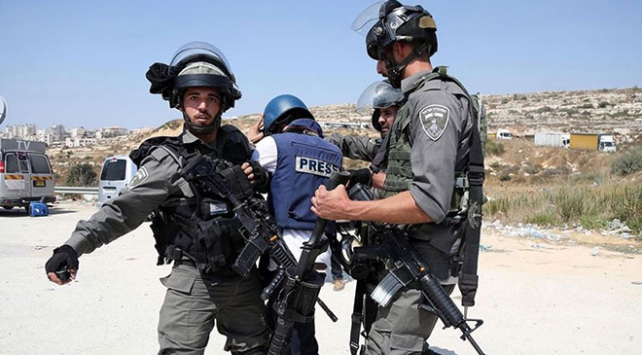 İsrail hapishanelerinde 22 Filistinli gazeteci var