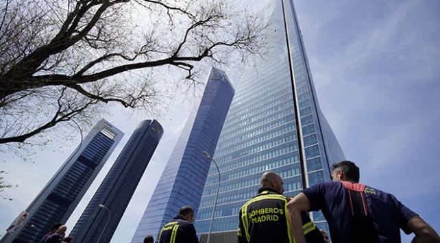 Madridde büyükelçiliğe yönelik sahte bomba ihbarı