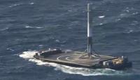 SpaceX Falcon Heavy roketinin parçasını kaybetti