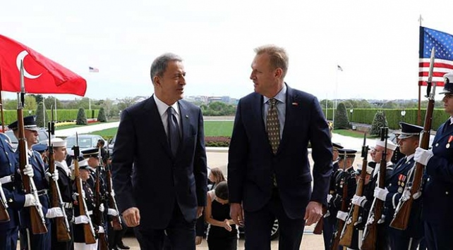 Bakan Akar, ABD Savunma Bakan Vekili Shanahan ile görüştü