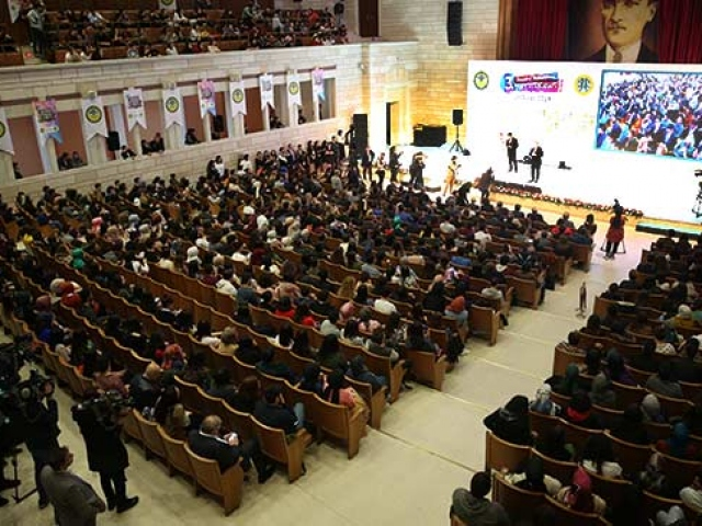 İÜ 1453 Ödüllerinde Yılın Haber Sitesi trthaber.com