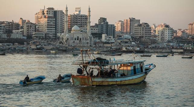 Gazzede 15 millik avlanma mesafesi uygulamada