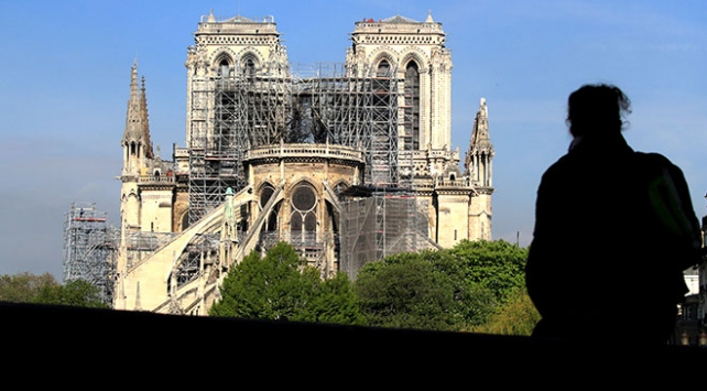 Notre Dame Katedralinin dijital kopyasıyla aslına uygun restorasyon
