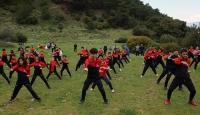 Milli tekvandocu öğrencilerini doğada eğitiyor