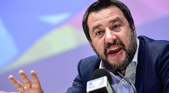 İtalyan ordusundan aşırı sağcı Salvininin göçmen politikasına tepki