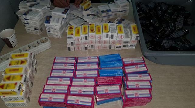 Kaçak ilaçları baklava kutularına gizlemişler