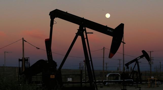 Rusya Ukraynaya petrol ihracatını yasakladı
