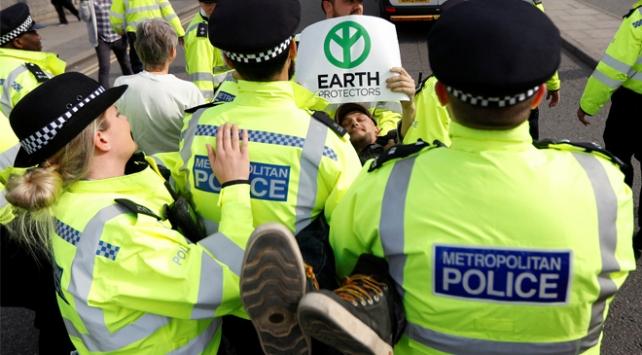 Londradaki işgal eylemlerinde gözaltı sayısı 460 oldu