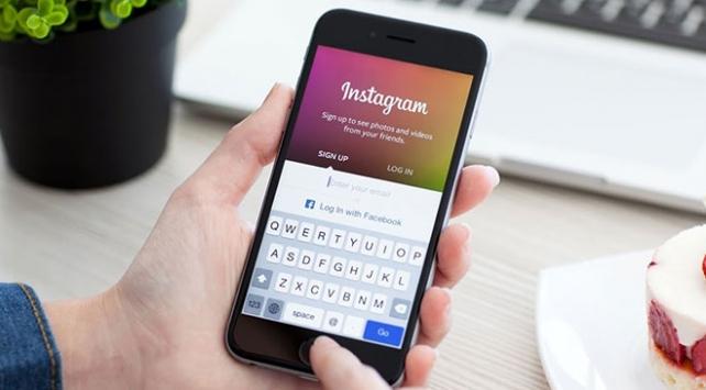 Facebook ve Instagram, parola bilgilerini şifrelemeden sakladı