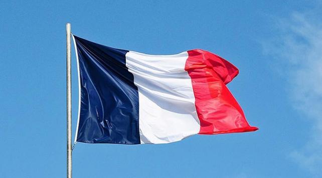 """Fransa """"Libya sınırında yakalanan silahlı vatandaşlarını"""" açıklamaya çalışıyor"""