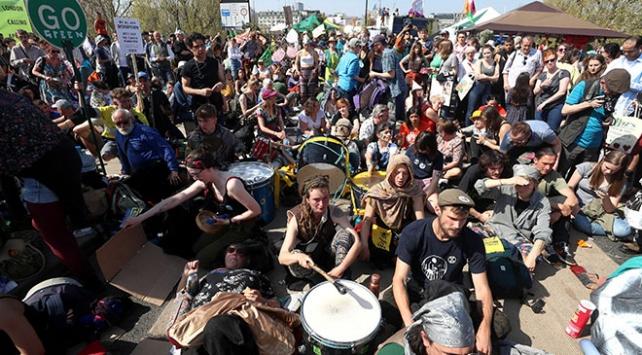 Londra'da çevreci protestocuların gösterileri 5. gününde
