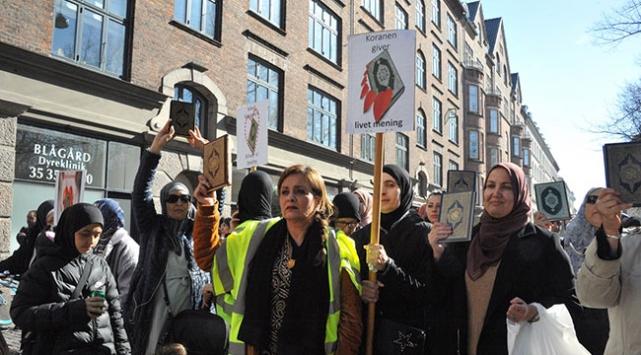 Danimarkada Müslümanlardan Kurana ve kutsal kitaplara saygı yürüyüşü