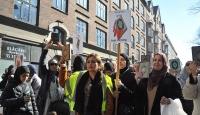 Danimarka'da Müslümanlardan Kur'an'a ve kutsal kitaplara saygı yürüyüşü