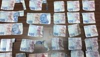 ATM'lere sahte para yatırıp bankaları dolandıran şüpheliler yakalandı