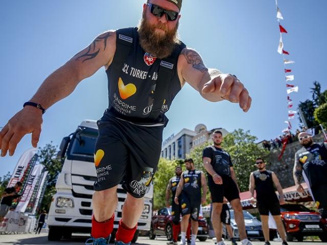 Dünyanın en güçlü adamları Alanya'da yarıştı