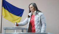 Ukrayna'da halk ikinci kez sandık başında