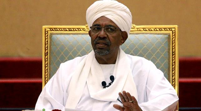 Sudan'ın devrik Cumhurbaşkanı yemek yemeyi reddediyor