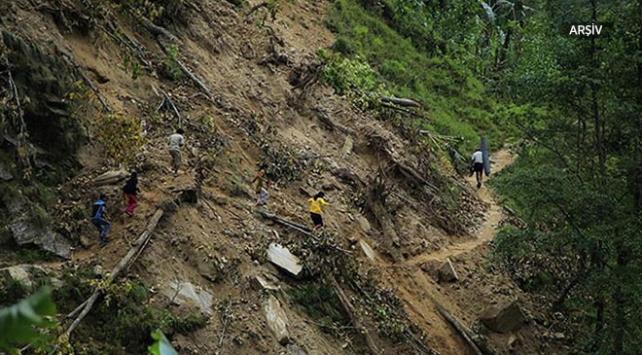 Kolombiyada toprak kayması: 17 ölü