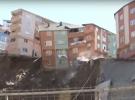 Kağıthane'de boşaltılan bina çöktü