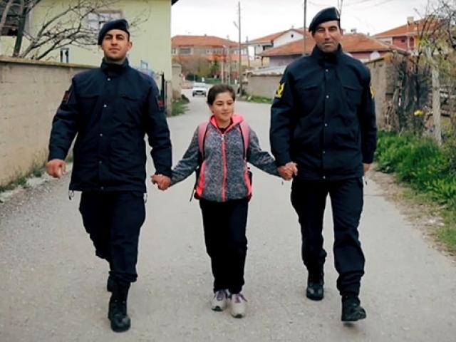 Jandarma Genel Komutanlığı'ndan çocuklara özel klip