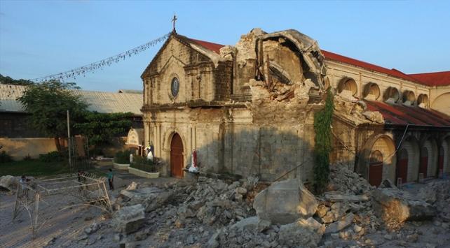 Filipinlerdeki depremde ölü sayısı 11e yükseldi