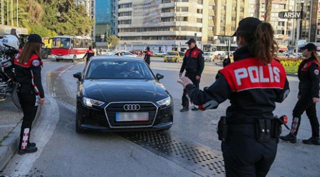 İzmirde asayiş uygulaması: 423 gözaltı