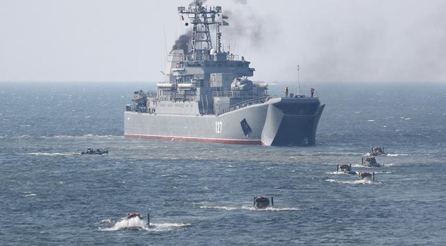 Rusya 7 yılda 80den fazla savaş gemisini deniz filosuna kattı