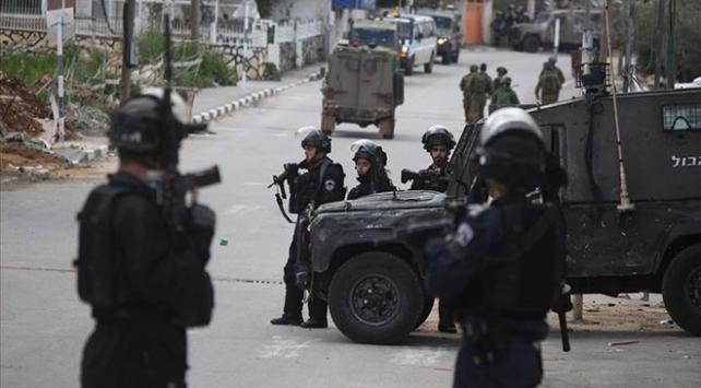 İsrail askerleri Nablusta 11 Filistinliyi yaraladı