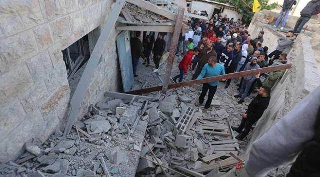 İsrail güçleri şehit ettiği Filistinlinin evini yıktı