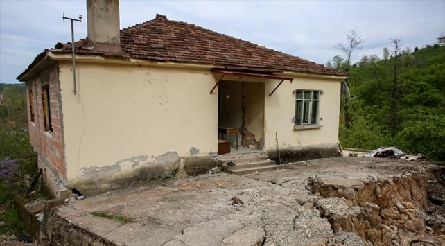 Orduda heyelan nedeniyle 6 ev tahliye edildi