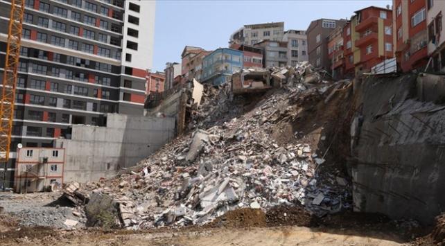 Kağıthanede mağdur olan 149 aileye 745 bin liralık kaynak