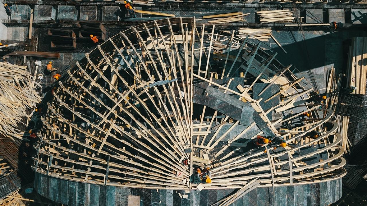 Ege Bölgesinin en büyük camisinin yapımı sürüyor