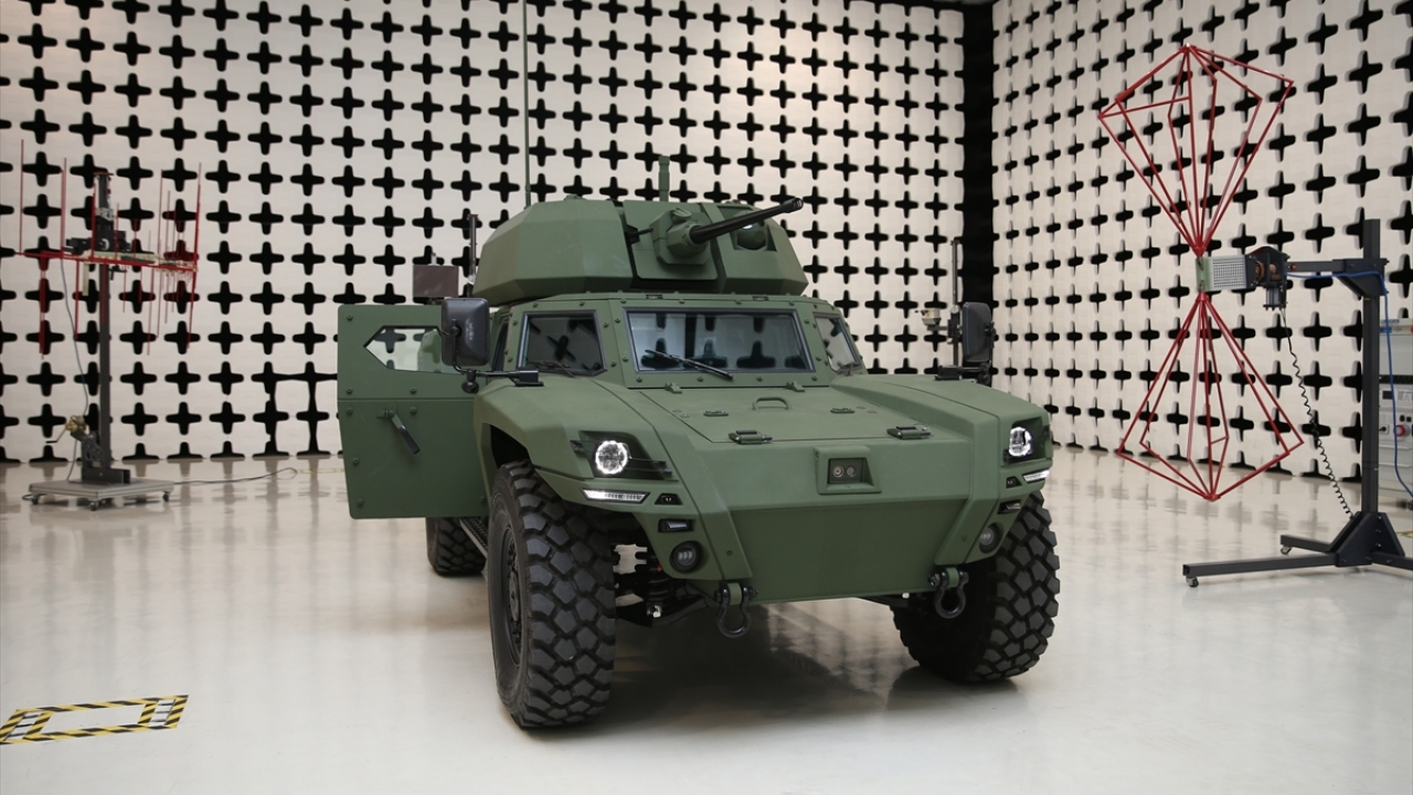 Türkiyenin ilk elektrikli zırhlı aracı Akrep II